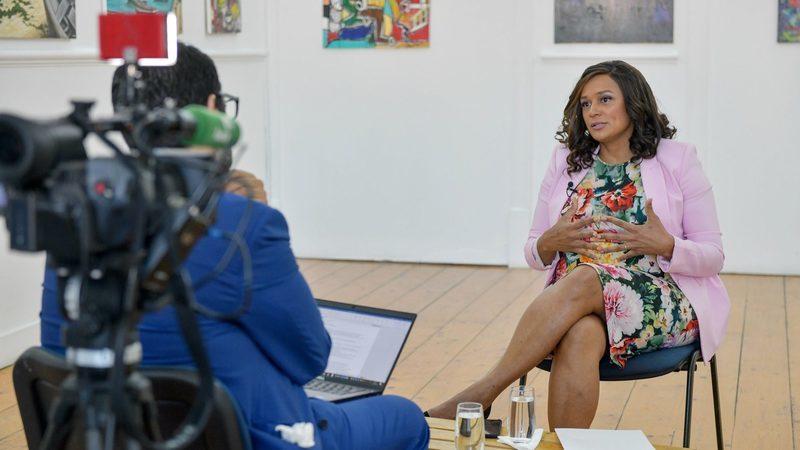 Isabel dos Santos diz que se endivida para investir e que não usa dinheiro público angolano
