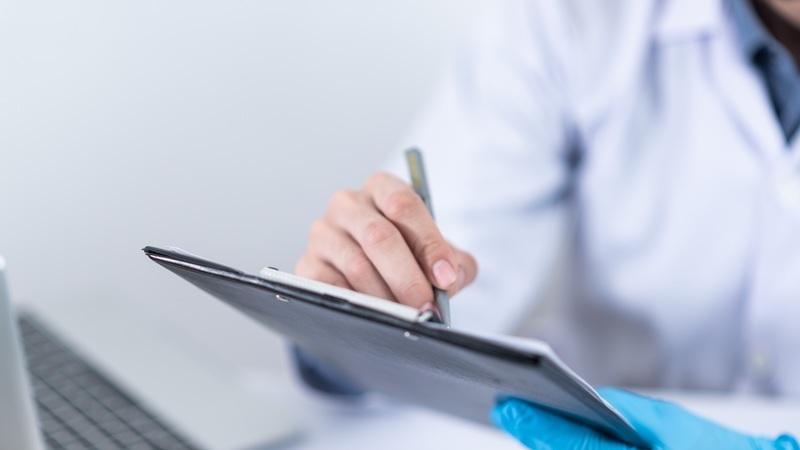 COVID-19: Estes são os cuidados que deve ter numa consulta presencial