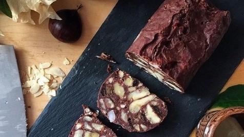 Salame de chocolate com castanhas, uma receita fácil e ideal para esta época