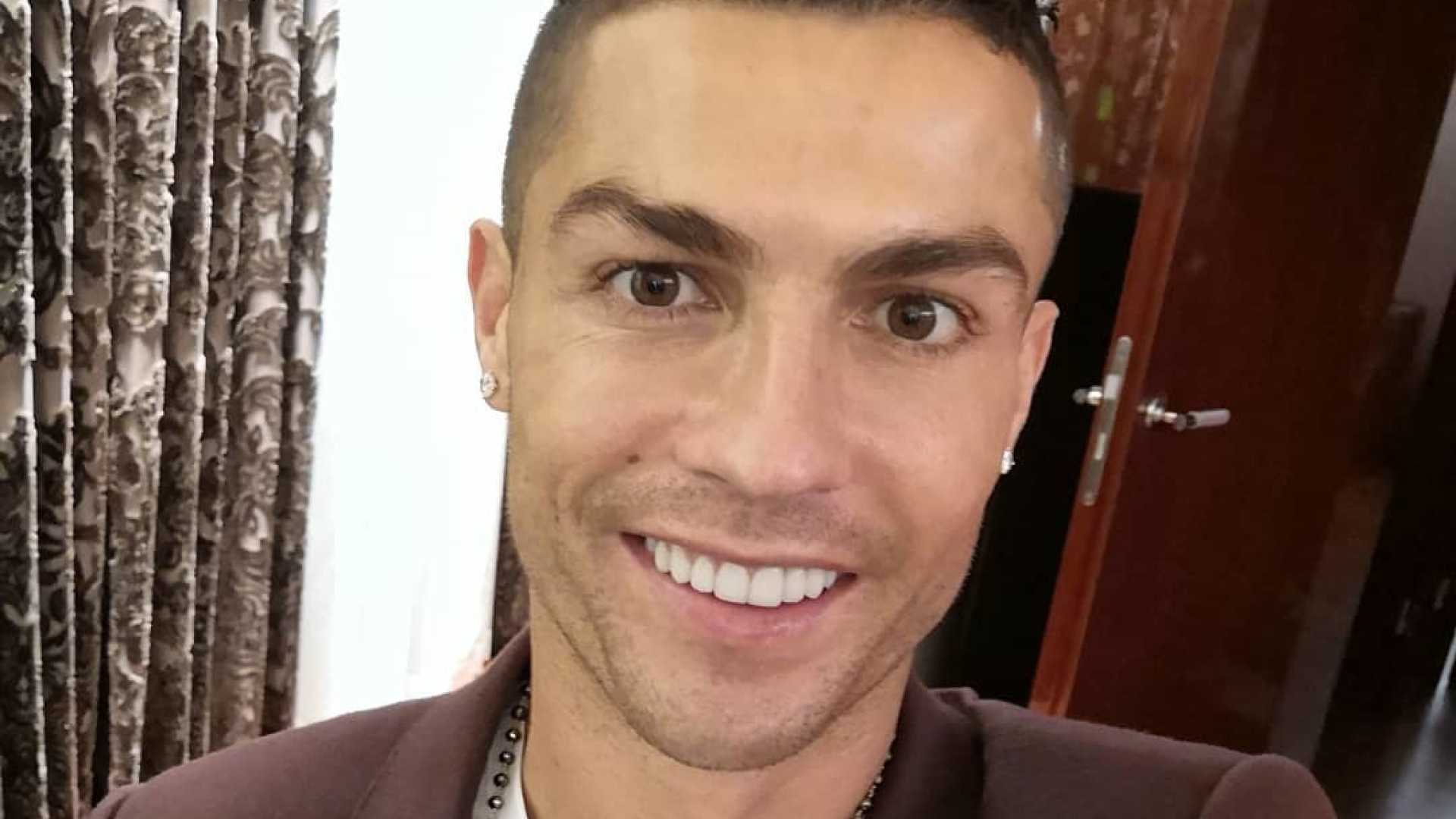 Ronaldo partilha foto com Georgina e Cristianinho após noite em família