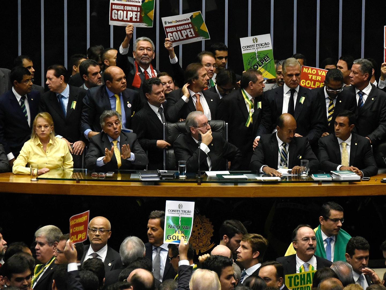"""Brasil: os deputados """"elegeram"""" Temer e """"elegem"""" quem eles quiserem"""