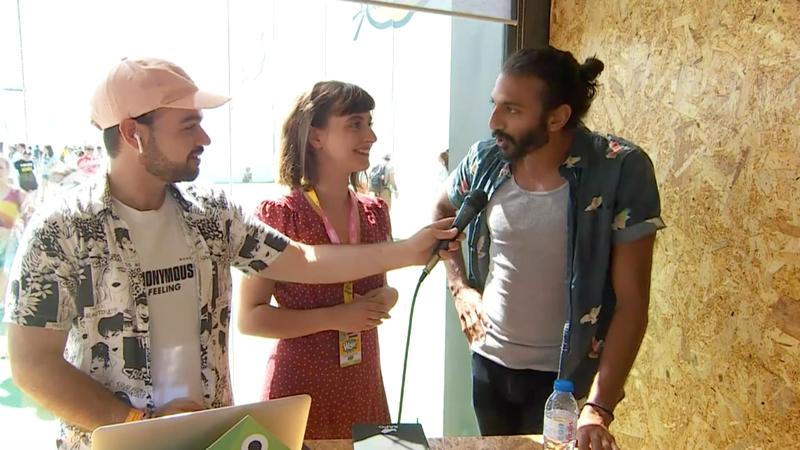 """À conversa com Avi Nash: o ator de """"Walking Dead"""" que aprendeu a falar português"""