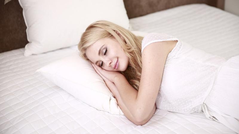 20 dicas para o ajudar a dormir quando está (muito) calor