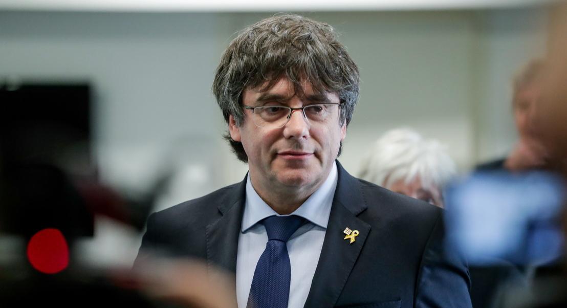 Catalunha: Carles Puigdemont entrega-se às autoridades belgas