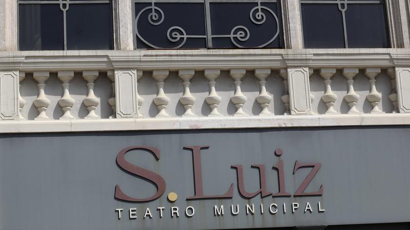 """""""O céu não é um pano de fundo"""" no Teatro S. Luiz em Lisboa"""