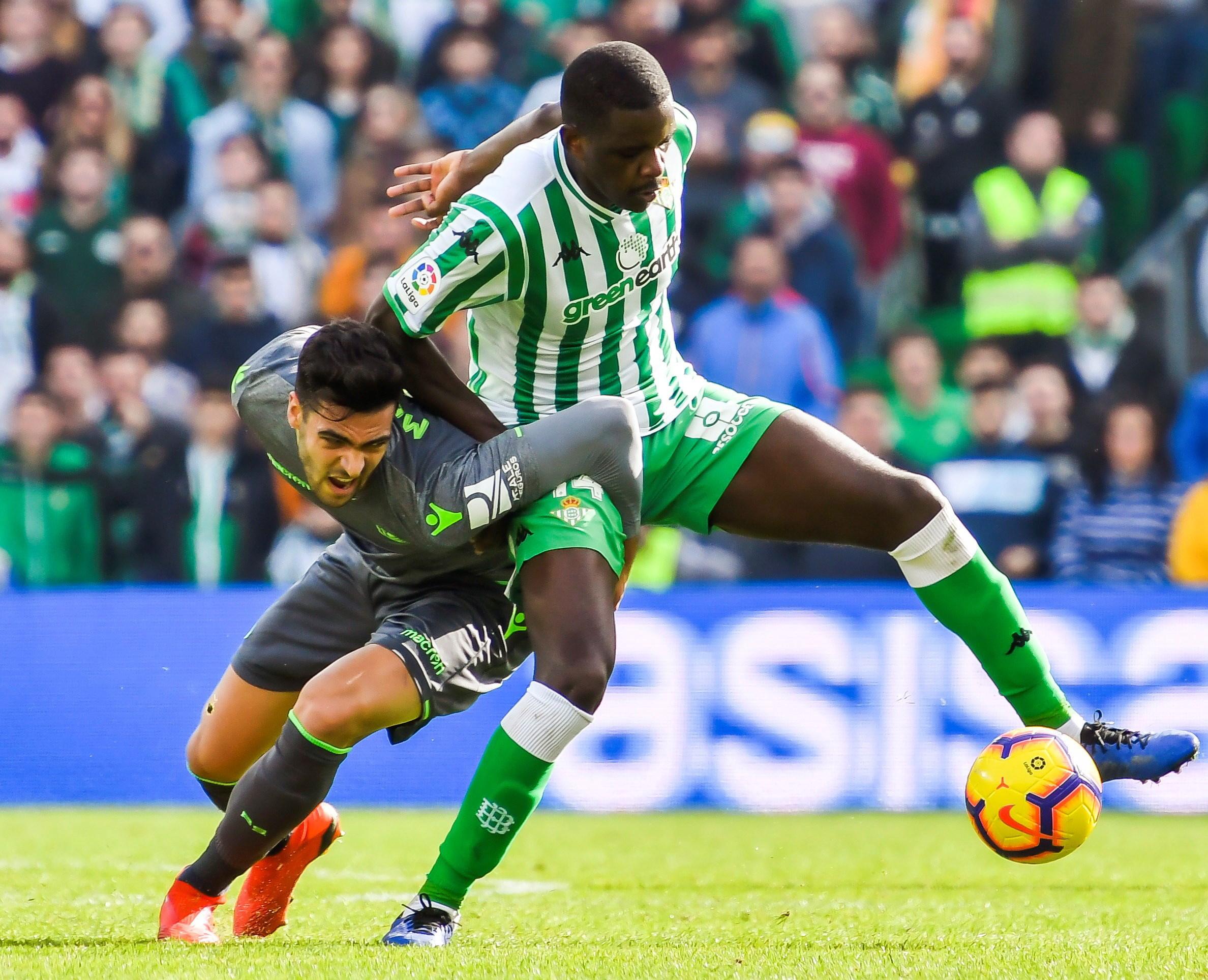 Bétis já fixou preço: Leicester e Inter querem William Carvalho