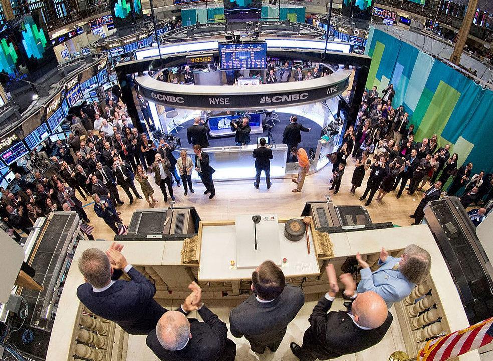 Moderação em Wall Street à espera da Fed