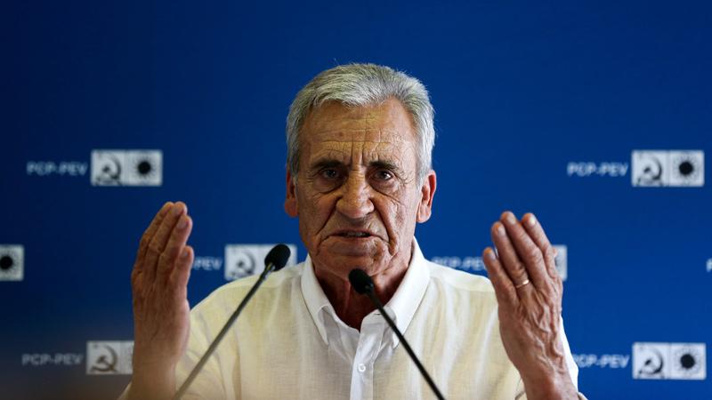 """Eleições. Jerónimo de Sousa diz que PS """"nunca iria tão longe se não fosse o PCP e a CDU"""""""