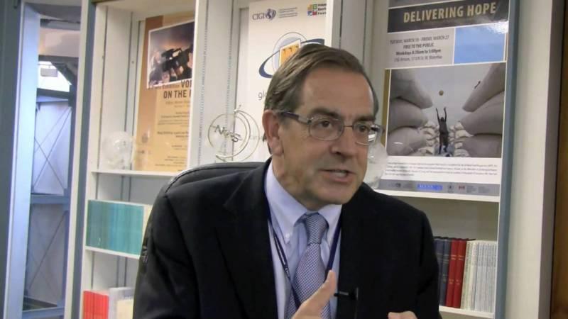 Braga de Macedo contra descida da TSU por contrapartida do salário mínimo