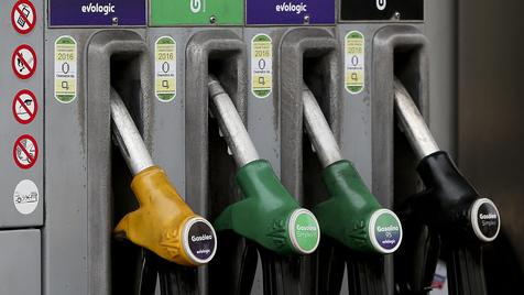 Mais de metade do preço dos combustíveis resulta de taxas e de impostos