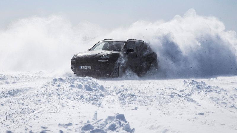 Novo Porsche Cayenne desafia extremos