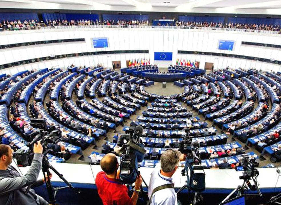 União Europeia quer lei para remover conteúdos extremistas da internet