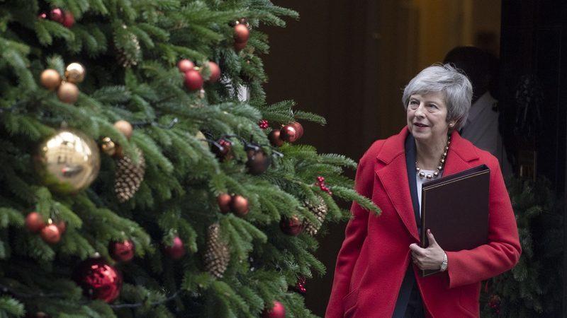 """""""Contesto esta moção de censura com toda a minha força"""", reage Theresa May. Em pleno Brexit, Governo britânico pode cair esta noite"""