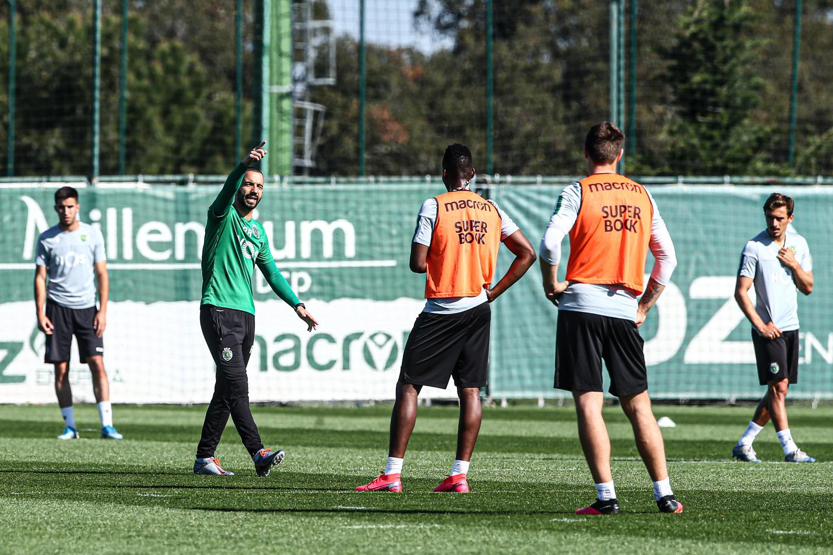 Sporting quer regressar aos treinos sem medidas de isolamento