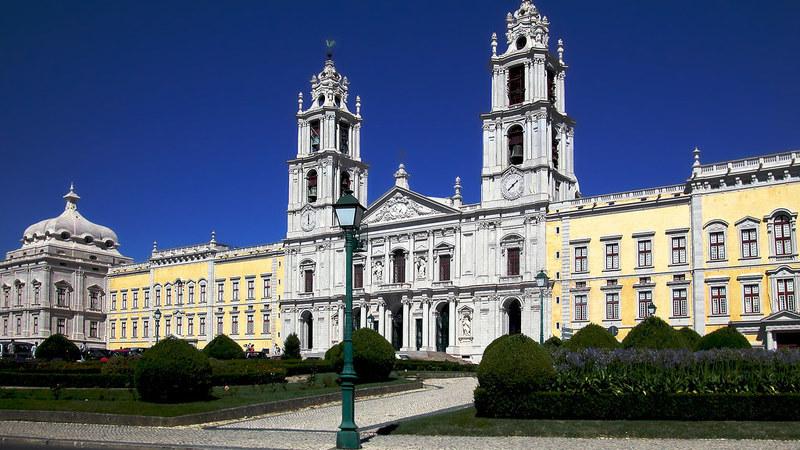 10 dos melhores livros passados em Portugal, segundo o The Guardian