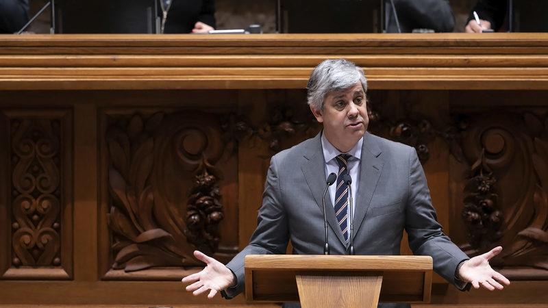Pandemia leva défice para os 1.651 milhões de euros até abril