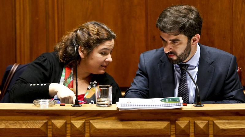 """Ministério lembra que """"tem negociado"""" com professores e desvaloriza apelo do BE"""