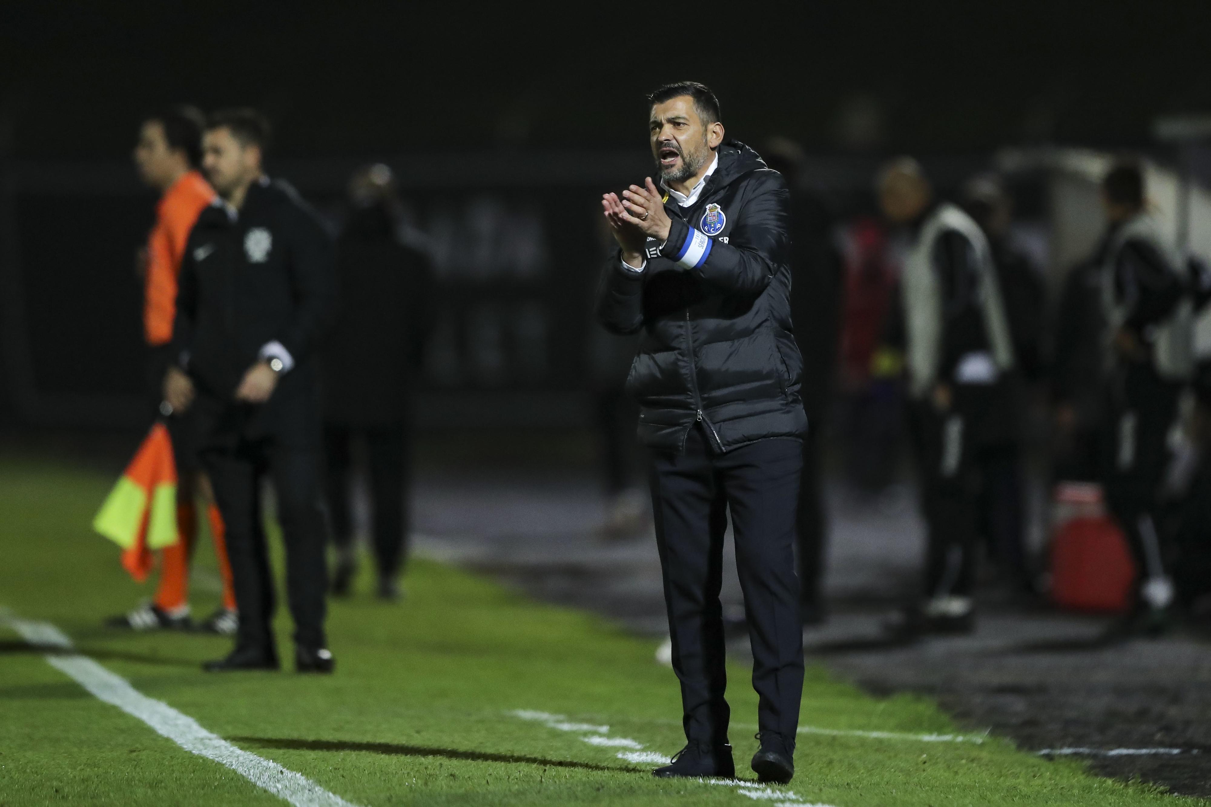 """Conceição e a aposta na formação: """"Não faço favores a ninguém. Se não têm arcaboiço para jogar na primeira equipa, não jogam"""""""