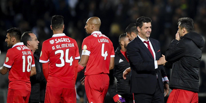 """Luisão: """"Rui Vitória trouxe muita coisa de novo, por isso tivemos os títulos que temos"""""""