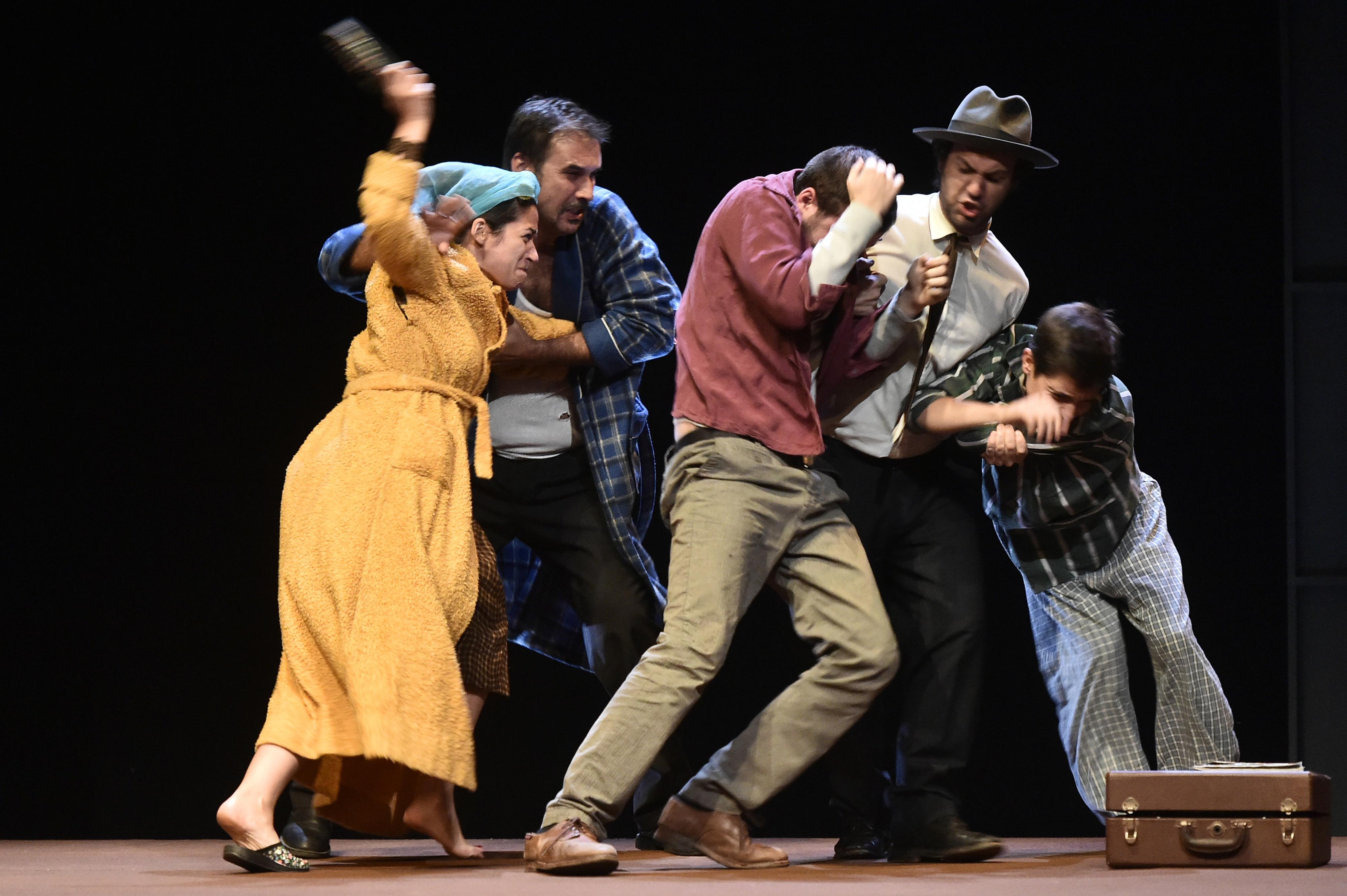 Artistas Unidos e Cotovia editam mais 10 Livrinhos do Teatro em 2020