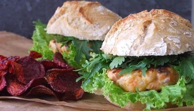 9 hambúrgueres para quem quer cozinha rápida... mas caseira
