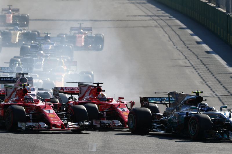 VÍDEO. O incidente entre Hamilton e Vettel que vai dar muito que falar