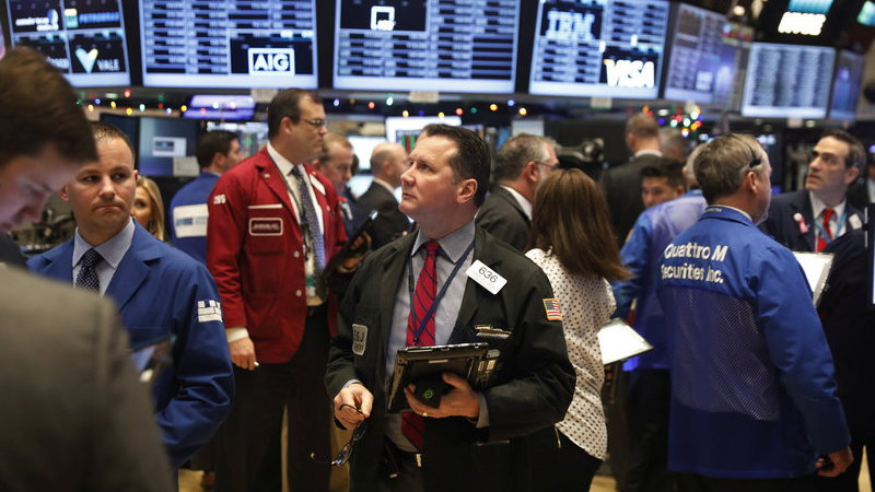 Wall Street e petróleo em alta apesar da pressão política