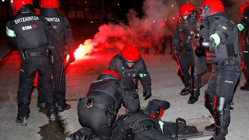Agente da polícia morre na sequência dos confrontos entre adeptos do Spartak de Moscovo e Athletic Bilbao