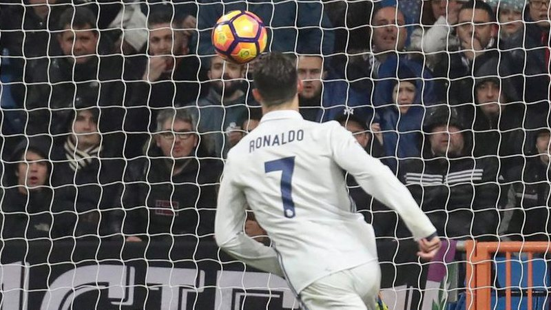 Nani e Cancelo derrotam CR7 no seu jogo 700 e deixam La Liga ao rubro