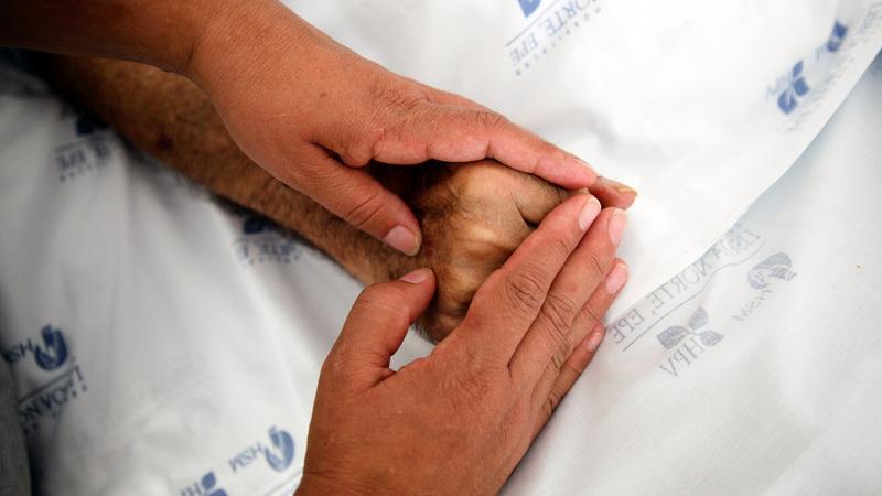 Apenas metade dos doentes morre no local desejado, revela relatório