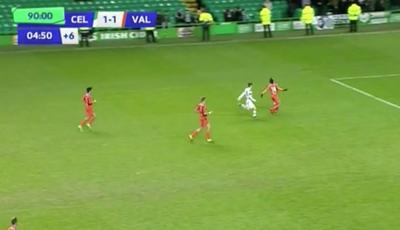 Será esta a pior simulação de sempre no futebol?