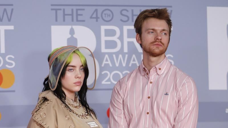Billie Eilish só teve sucesso graças aos seus pais? Irmão da cantora responde às provocações