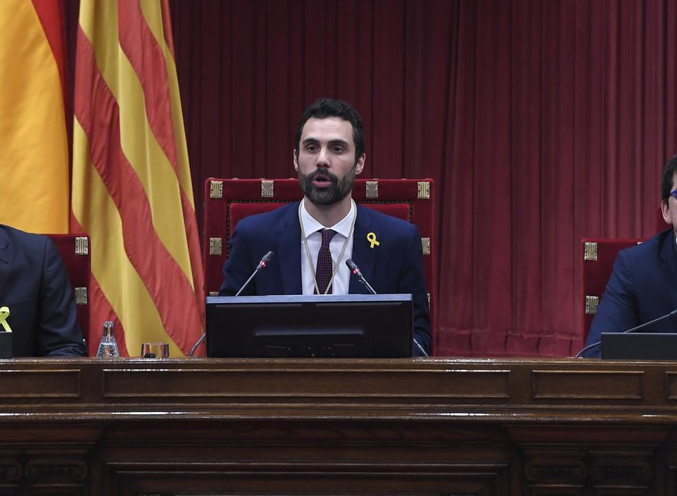 Catalunha. Independentistas elegem Roger Torrent como presidente do Parlamento