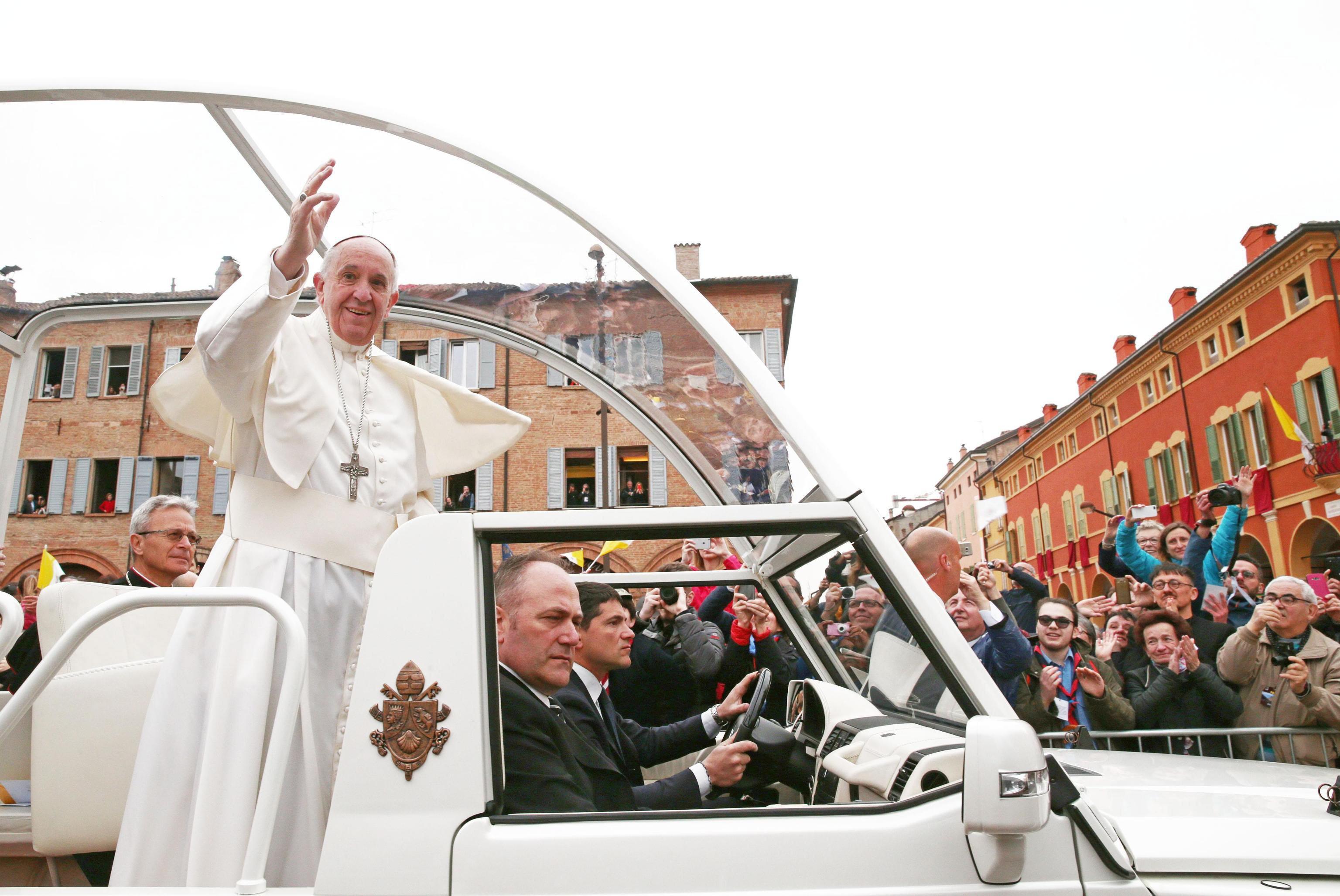 Papa inicia hoje visita ao Egito