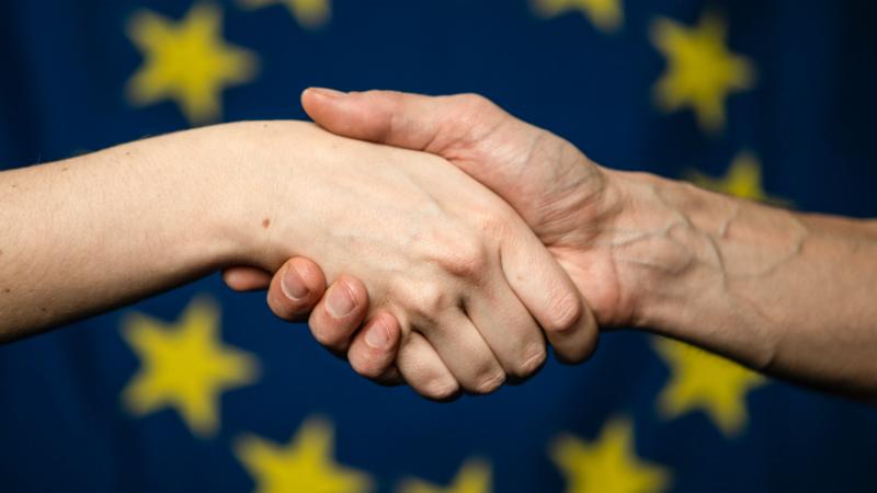 O polvo europeu dos instrumentos financeiros. Quais são, quem vão apoiar nesta crise e com quanto