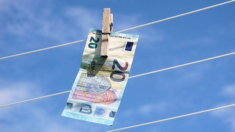 UE pondera transferir competências de supervisão do branqueamento de capitais para organismo europeu