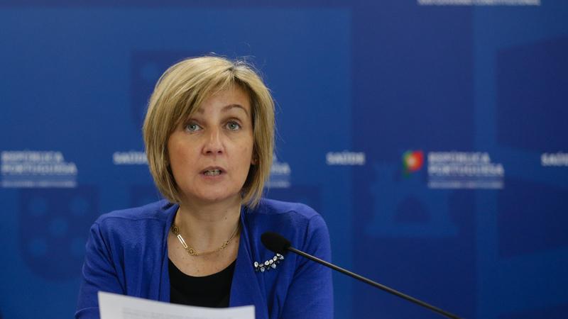 Ministra da Saúde diz que SNS tem 1538 ventiladores para responder a aumento da necessidade de internamento