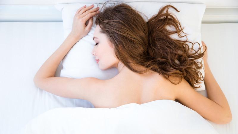 Seis motivos para dormir sem roupa
