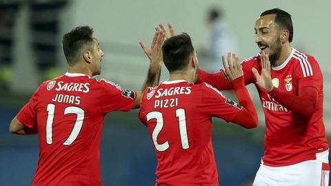Benfica: Jonas e Pizzi agradecem apoio dos adeptos