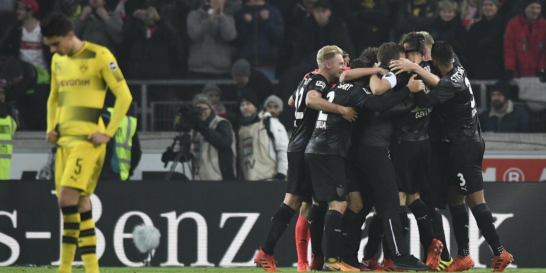 Borussia Dortmund volta a perder e tem o terceiro lugar em risco