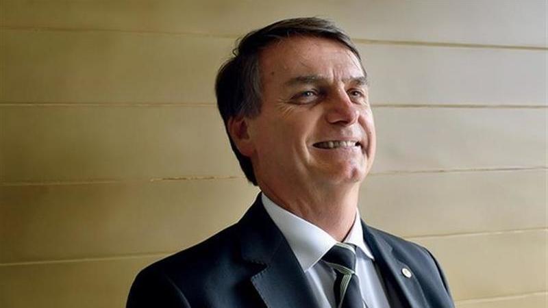 Brasil: Bolsonaro aumenta vantagem sobre Haddad na mais recente sondagem