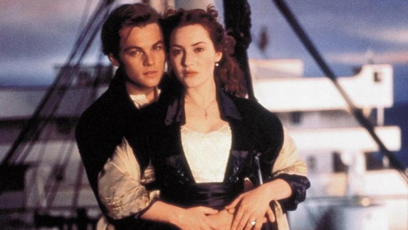 """""""Titanic"""": Brad Pitt e Margot Robbie gozam com a morte de Leonardo DiCaprio"""