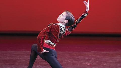 Bailarino António Casalinho, de 12 anos, vence o Youth American Grand Prix