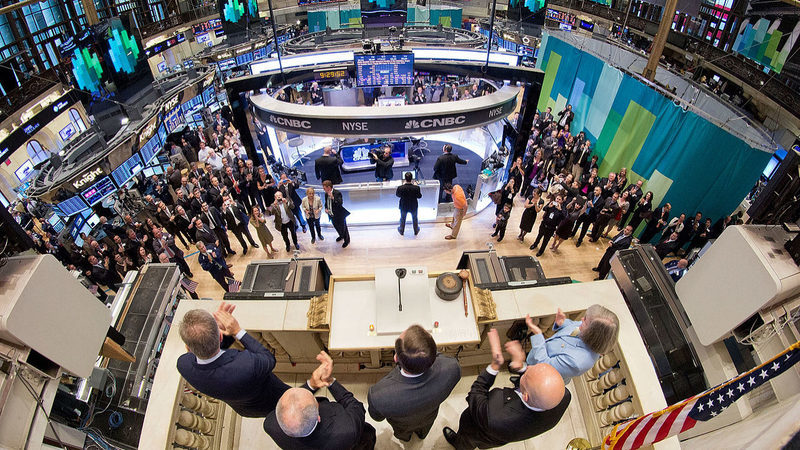 Investidores à espera de corte de juros da Fed. Wall Street acelera