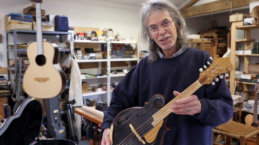 """Portugal tem """"um bom lugar para fazer guitarras"""", garante colaborador dos Led Zeppelin e The Police"""