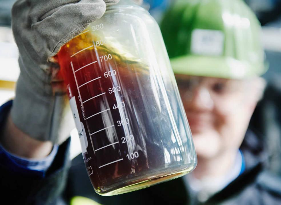 Empresa austríaca cria método que transforma plástico em petróleo