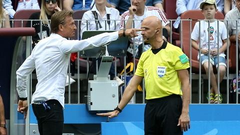 """Hervé Rénard critica arbitragem: """"Há falta no golo e Cristiano, como sempre, apareceu. Façam análise e escrevam a verdade"""""""