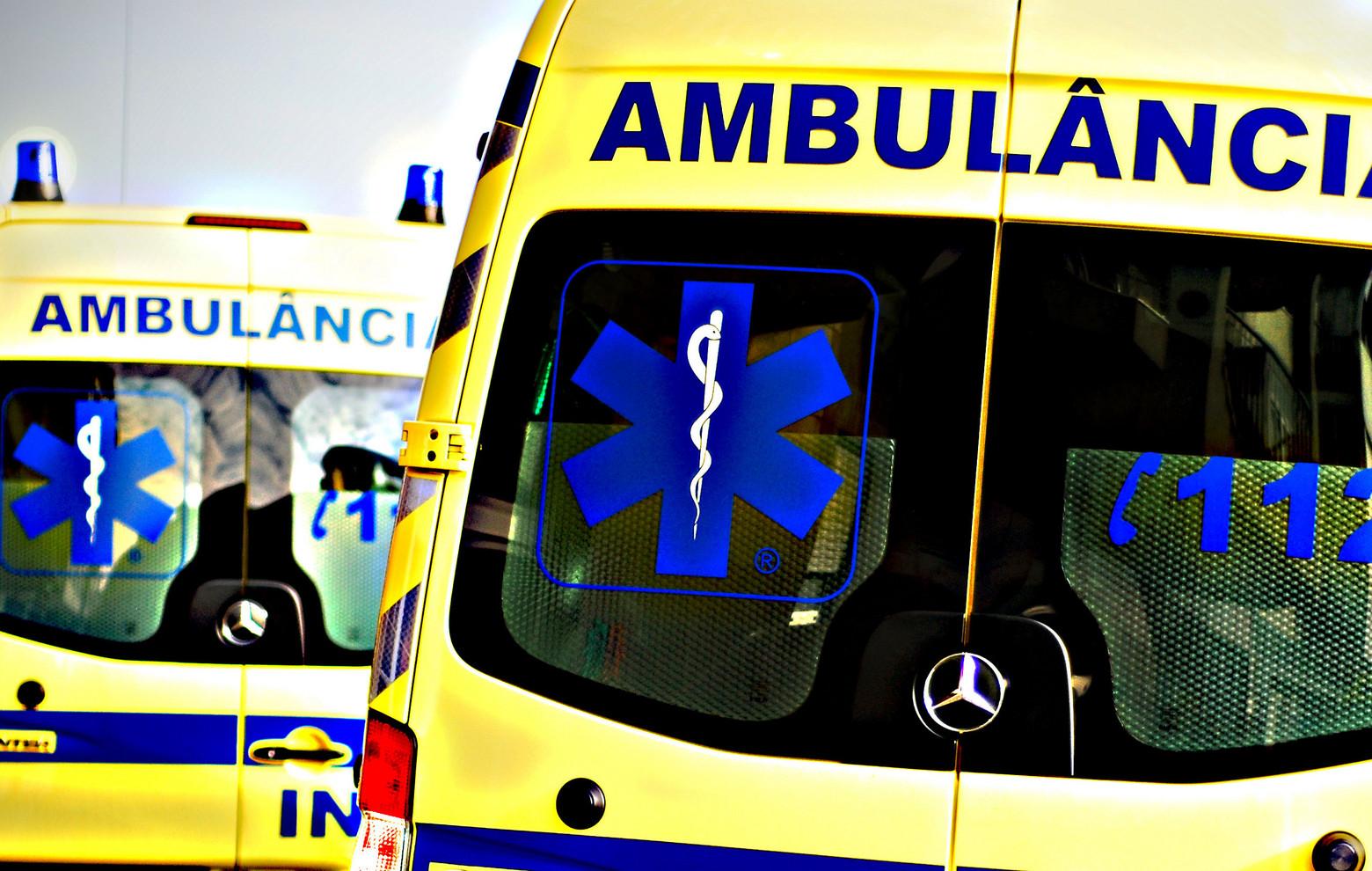 Homem de 60 anos em estado grave após queda de seis metros de altura em Viana do Castelo