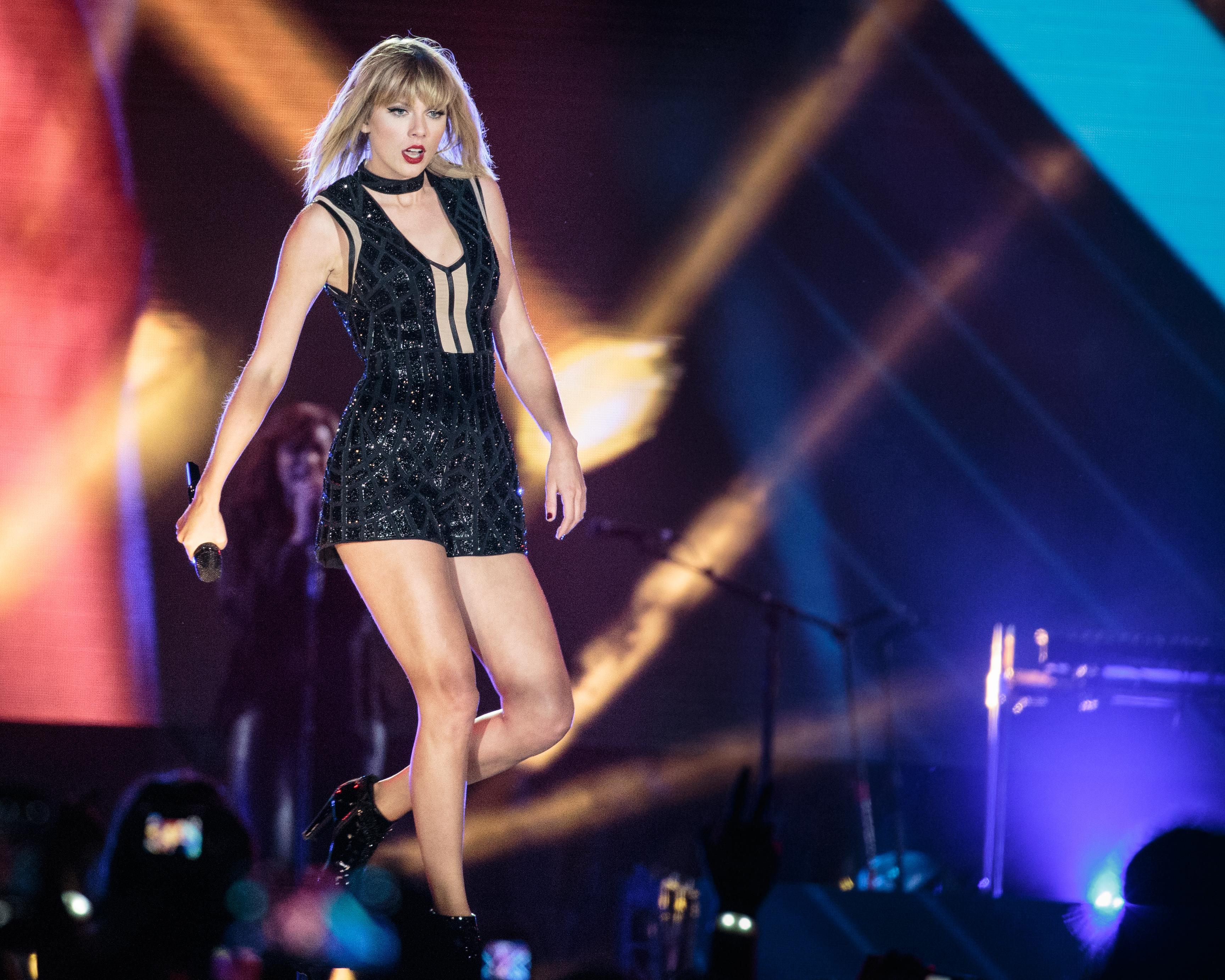 Taylor Swift considerada a Mulher da Década pela Billboard: quem a viu e quem a vê