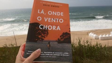 Lá, onde o vento chora, de Delia Owens